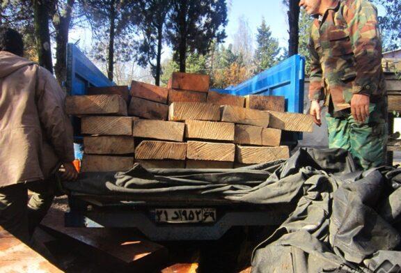 کشف محموله قاچاق الوار چوب در گلستان